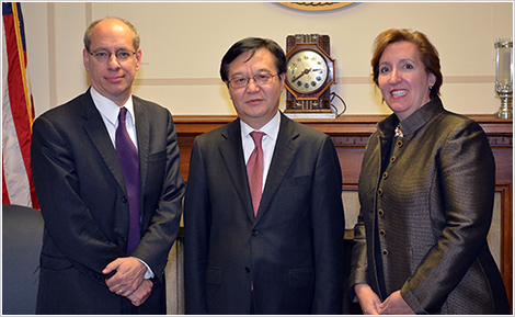 (L-R) Federal Trade Commission Chairman Jon Leibowitz; Gao Hucheng, China International Trade Representative and Vice Minister of the Ministry of Commerce (MOFCOM); and Acting Assistant Attorney General Sharis Pozen meet in Washington, D.C. FTC Photo/Artis D. Carter