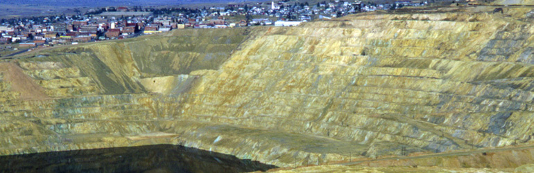 Berkeley Pit at Butte, Montana. Courtesy of the USGS