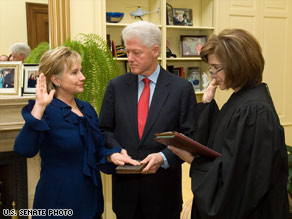 Judge Kathryn Oberly swearing in Secretary Clinton.  Courtesy of the U. S. Senate.