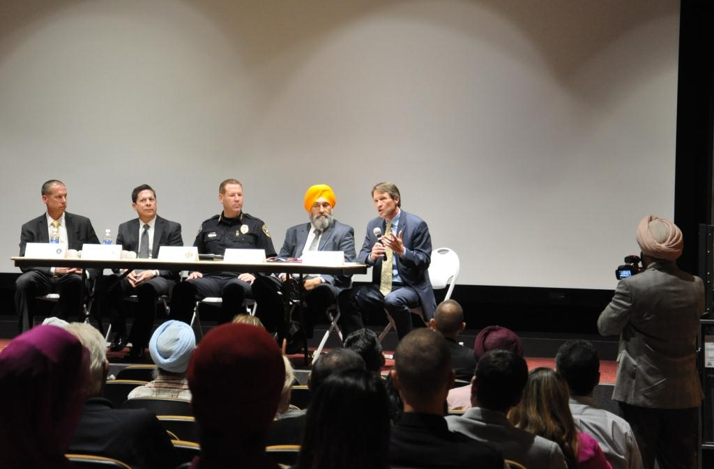 "On September 23, 2015, the Eastern District of California welcomed approximately 120 community members from the greater Stockton area to the University of the Pacific for a screening of ""Waking in Oak Creek,"" a documentary that profiles the Sikh Community"