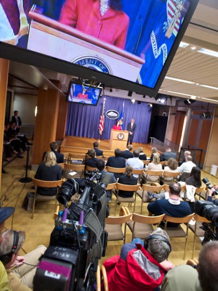 Photo of the press room during AAG's Christine Varney comments.