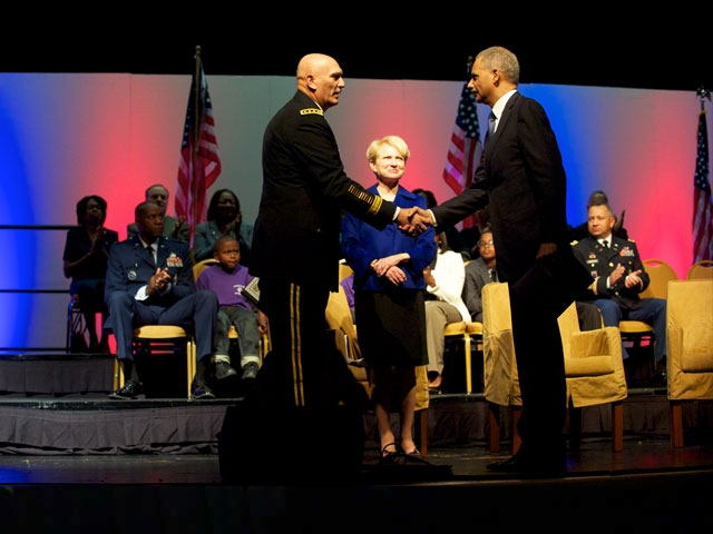 Attorney General Eric Holder greets General Raymond Odierno, Cheif of Staff of the U.S. Army.