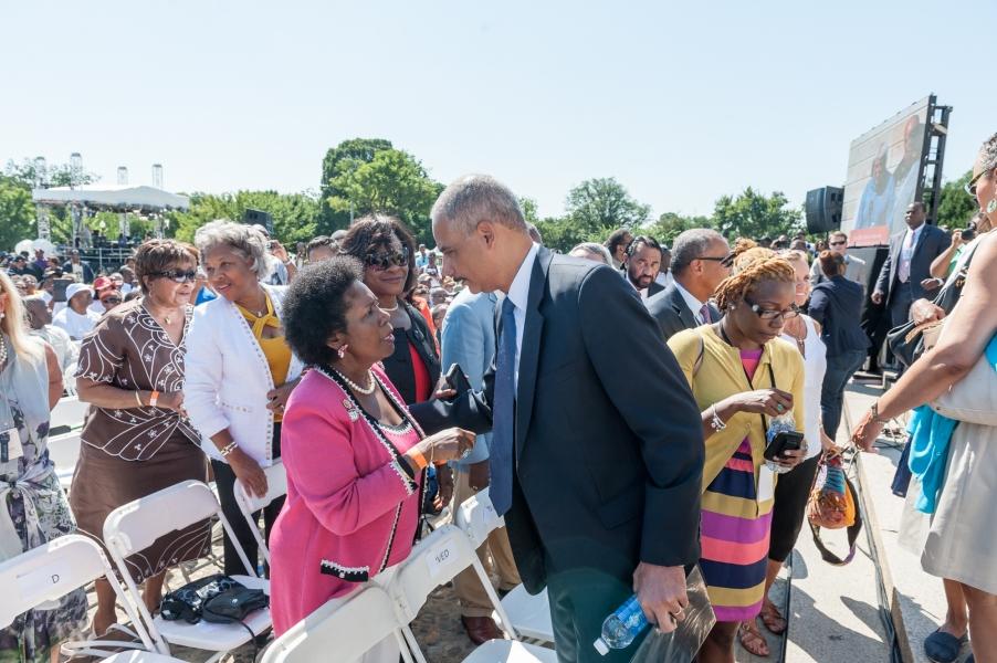Attorney General greets Congresswoman Sheila Jackson Lee