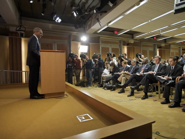 Attorney General Eric Holder announces the decision on the Guantanamo Bay detainees.