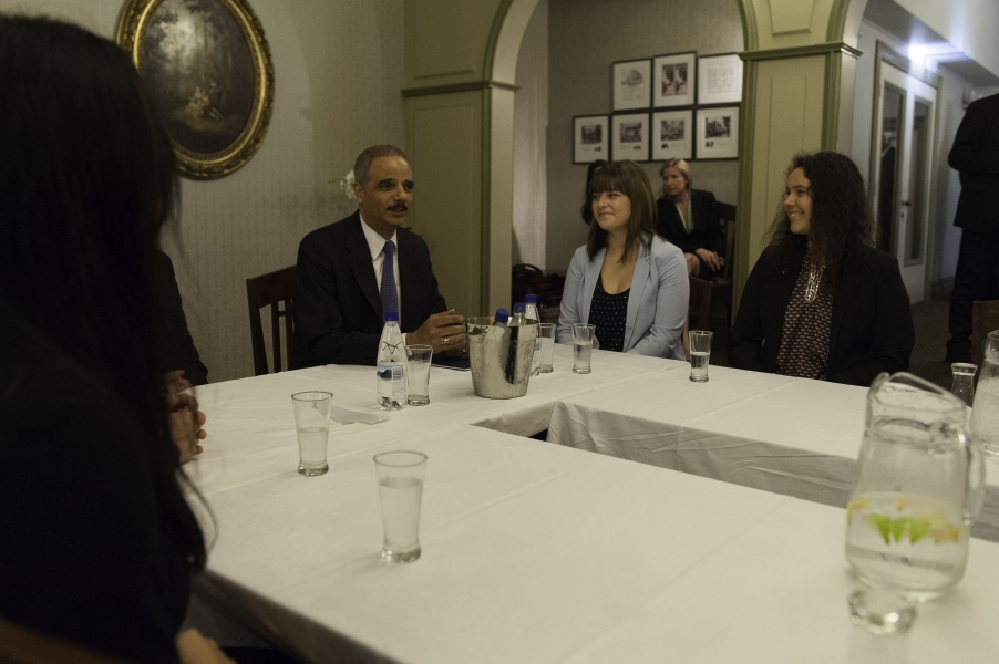 Attorney General Holder meets with student members