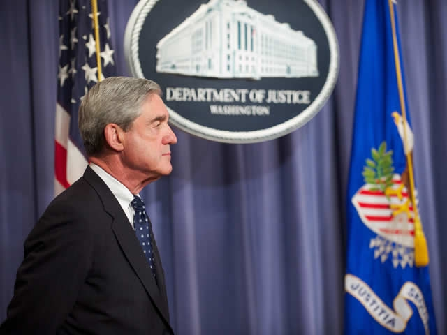 FBI Director Robert Mueller prepares to address the press on the thwarted assasination attempt of the Saudi Arabian Ambassador to the United States.