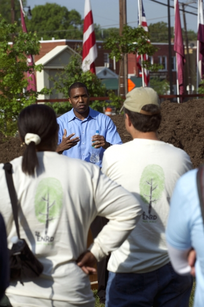 Acting Associate Attorney General Tony West spoke with volunteers from ENRD, Washington Parks & People and the DC Green Corps