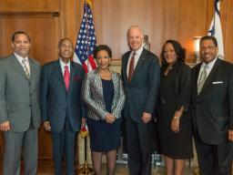 Vice President Biden and Attorney General Lynch with the Attorney General's family.