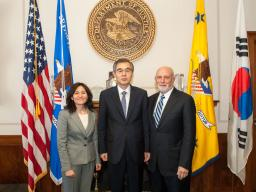 Edith Ramirez of the FTC, Chairman Jeong Jae-chan of KFTC and AAG Bill Baer