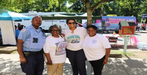 Supervisory Community Outreach Specialist Brenda Horner, Metropolitan Police Department Officers George Hill and Natalie Thomas, and Dr. Mary Gaffney at USAODC Heroin and Opioid Awareness Day at Marvin Gaye Park.