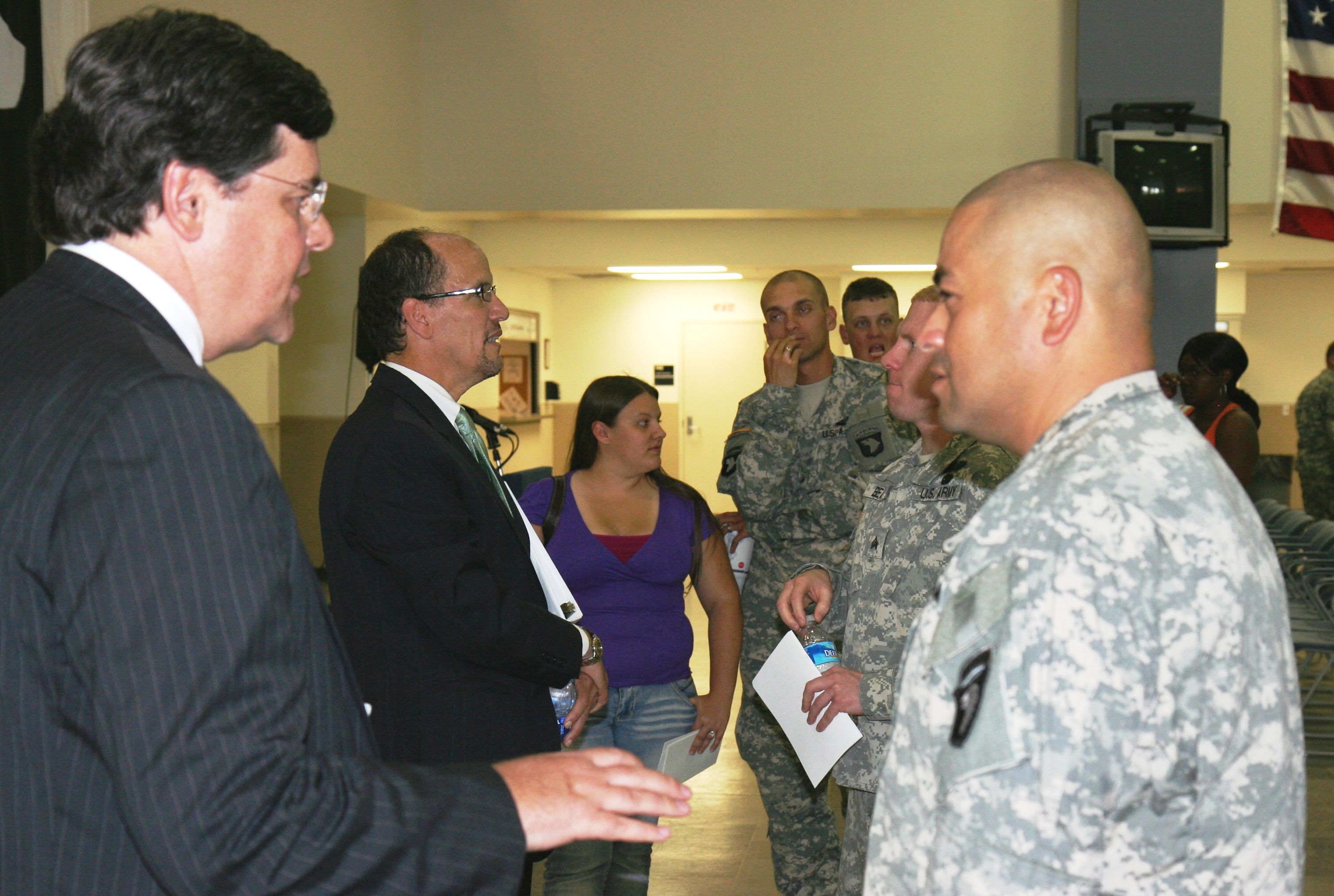 U.S. Attorney David J. Hale and Assistant Attorney General Thomas E. Perez discuss the rights of servicemembers and their families with soldiers stationed at Ft. Campbell Military Installation.