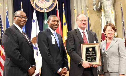 WDLA AUSA Receive Award
