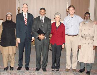 USA Neronha with the Muslim community