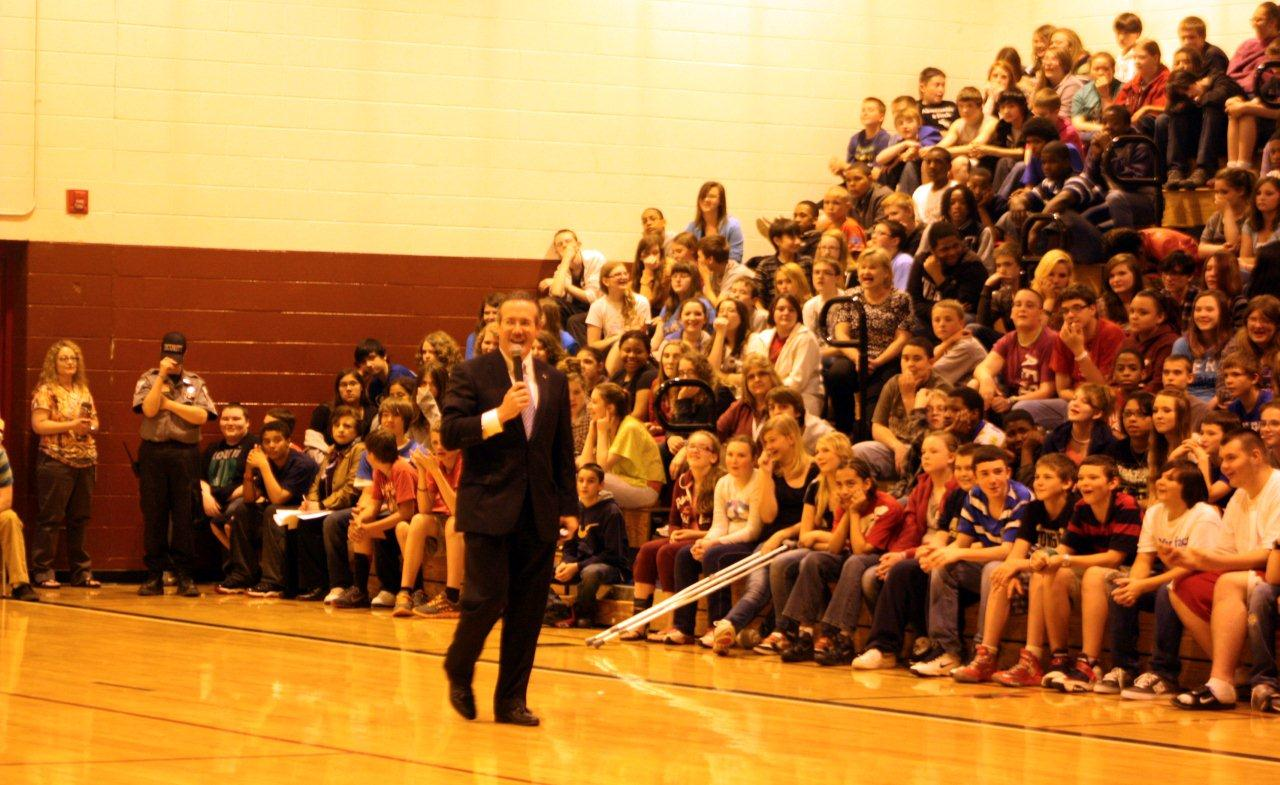 Goodwin speaks to Bluefield Middle students